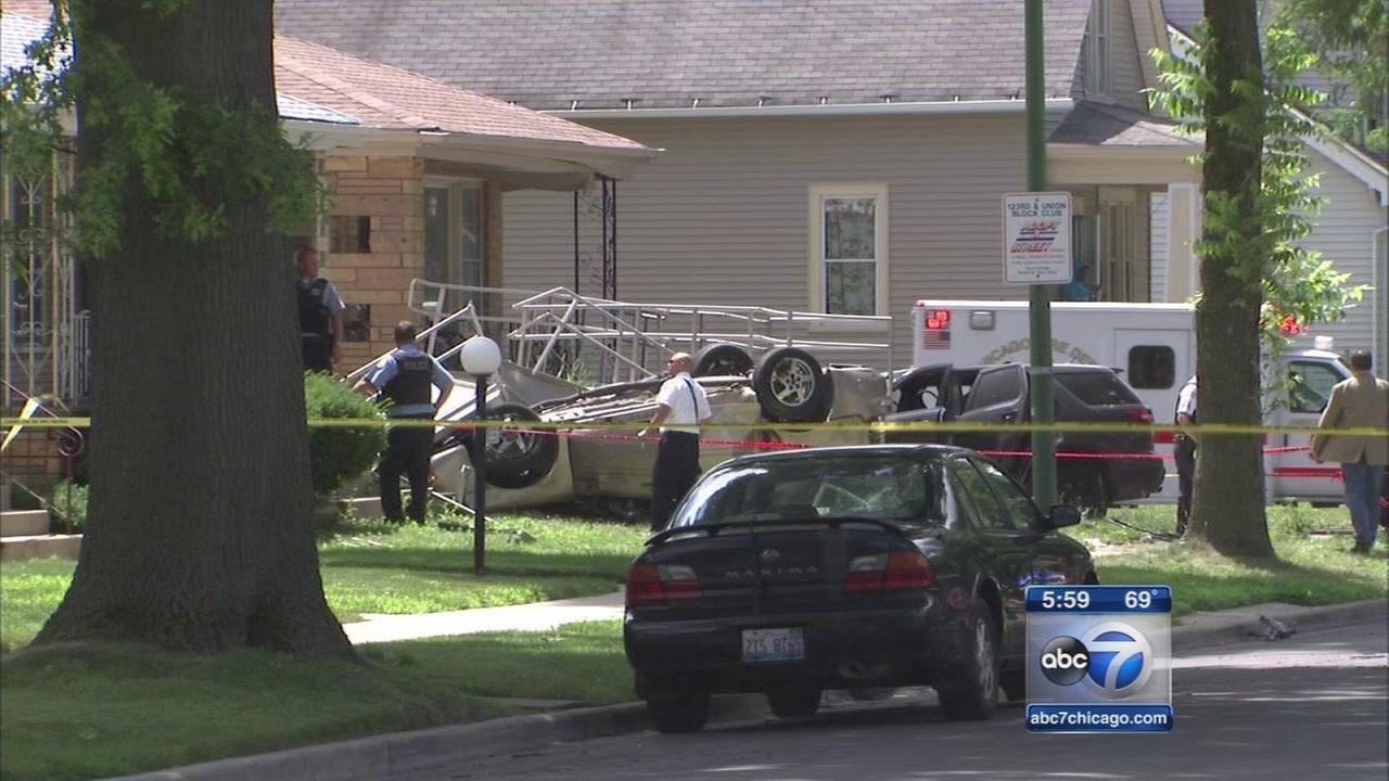 Two killed, six injured in Far South Side chase and crash
