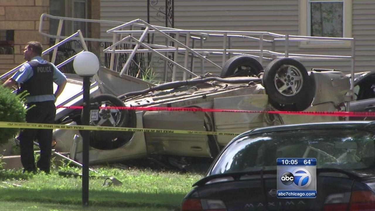 Two dead, six injured in Far South Side crash