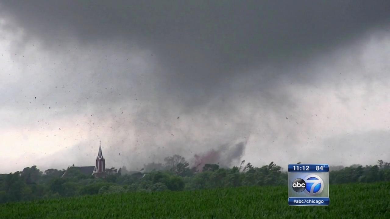 071216-wls-mn-tornadoes-11-vid
