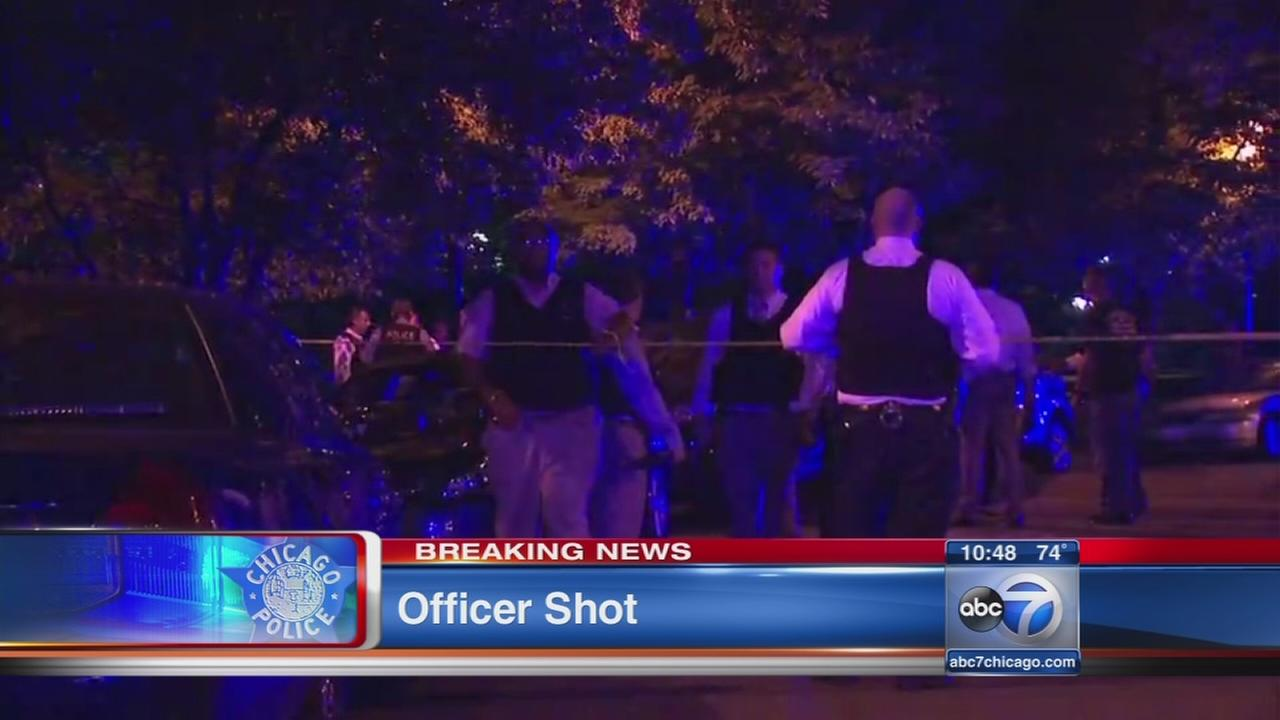 Cop shot in South Loop