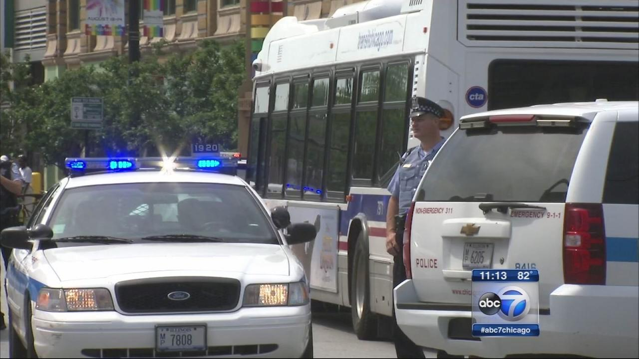 3 pedestrians hit by CTA bus in Lakeview