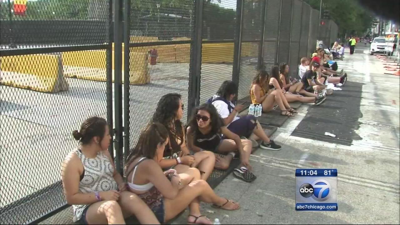 Lolla fans line up hours before fest opens