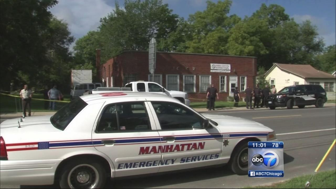 Suspect in custody after Manhattan, Ill. gun shop break-in