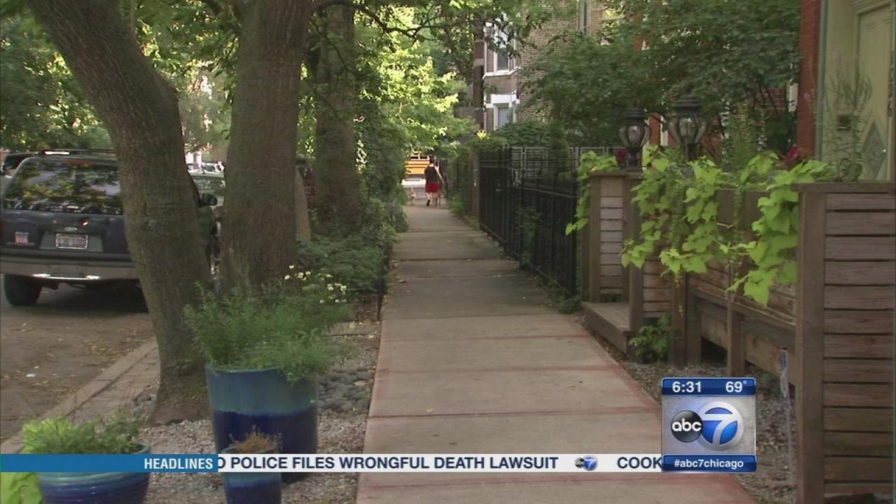 3 couples robbed in Wicker Park