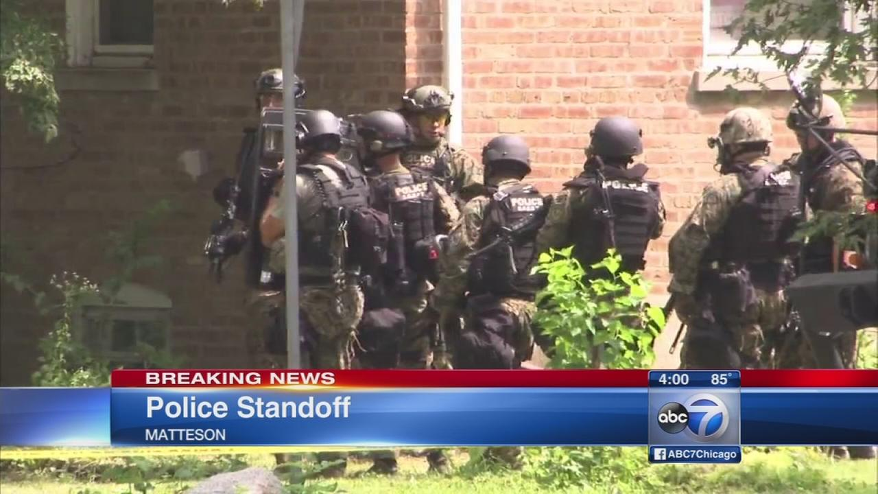 4 in custody after standoff at Matteson house