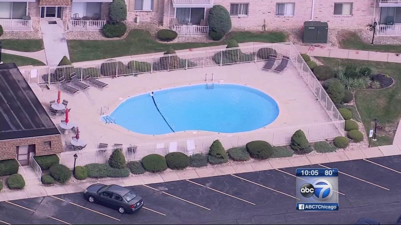 Man drowns saving grandson at Lansing pool