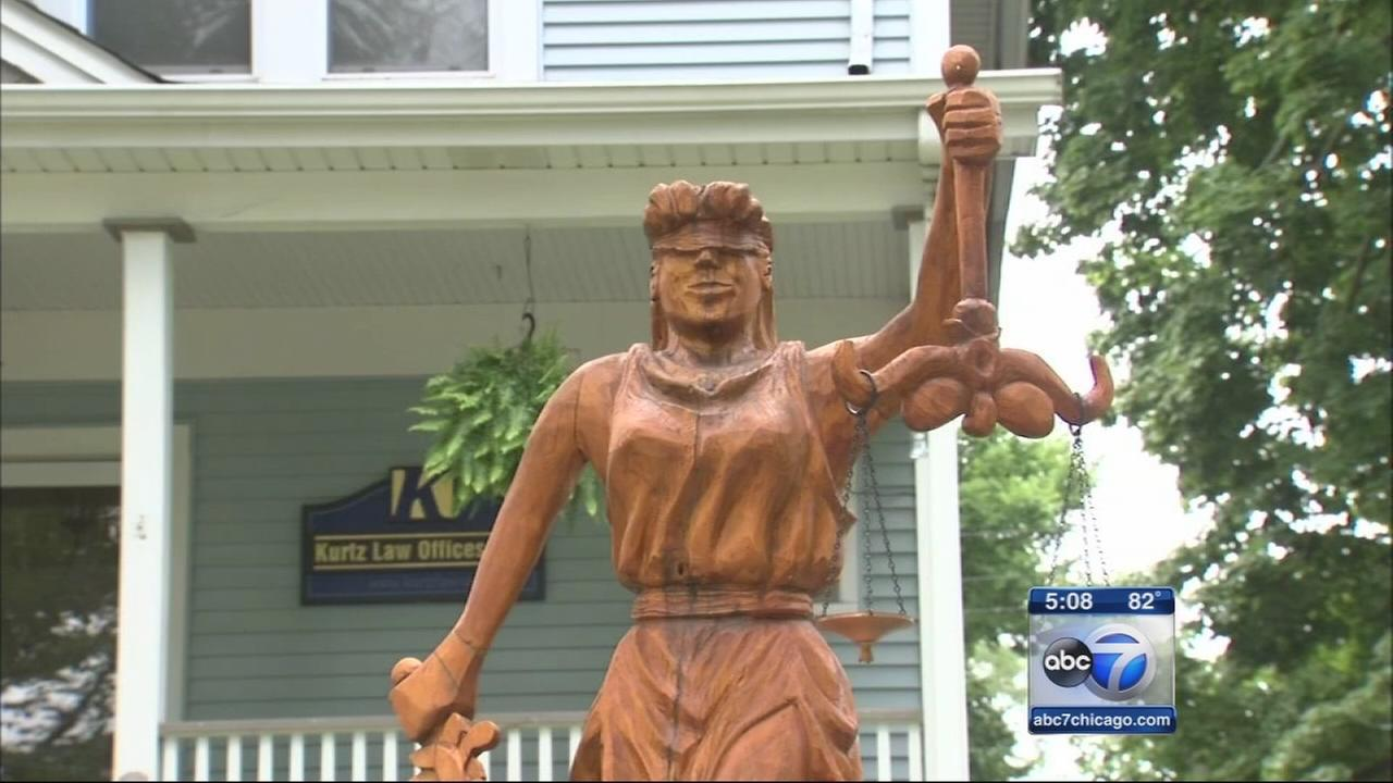 Hinsdale couple wins sculpture battle