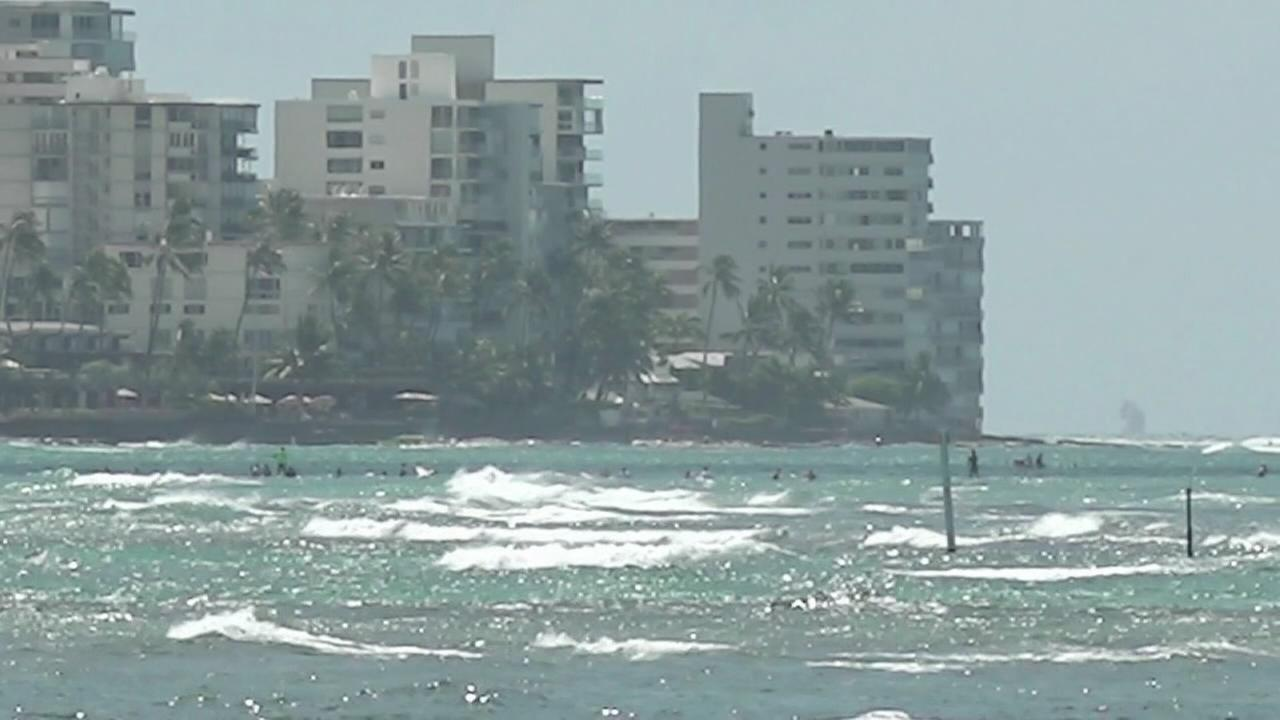 Hundreds rescued at Hawaii swim race