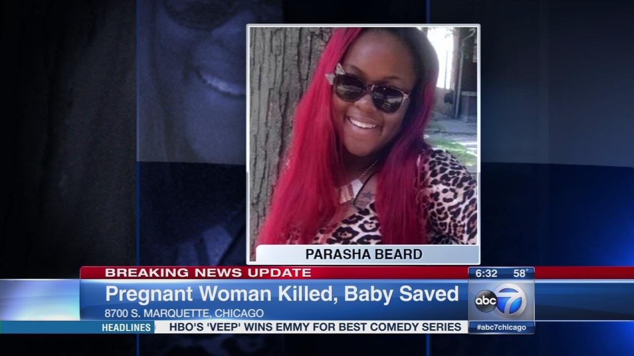 pregnant w com baby delivered after pregnant w fatally shot in chicago