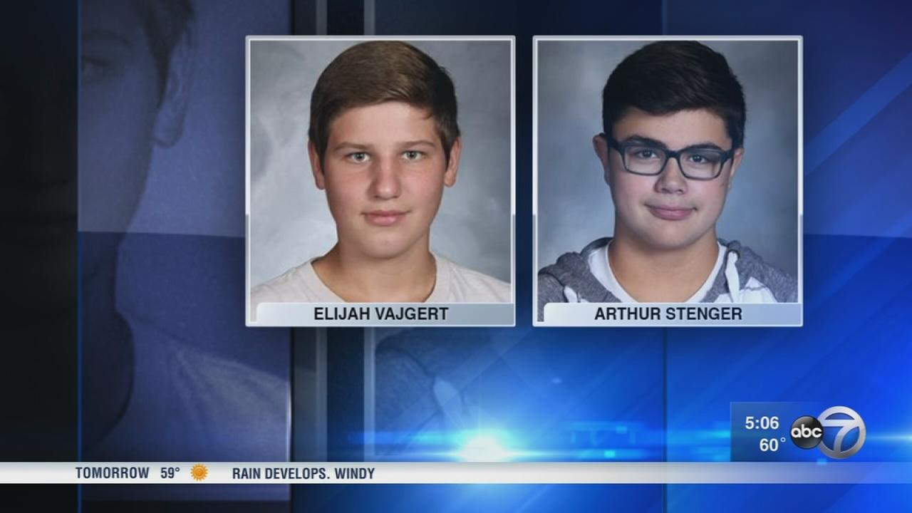 2 teens killed in Kane County crash
