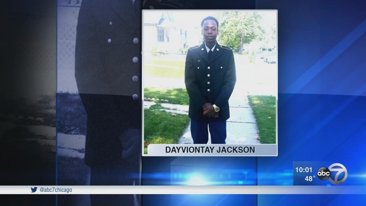 17-year-old boy shot to death in Waukegan