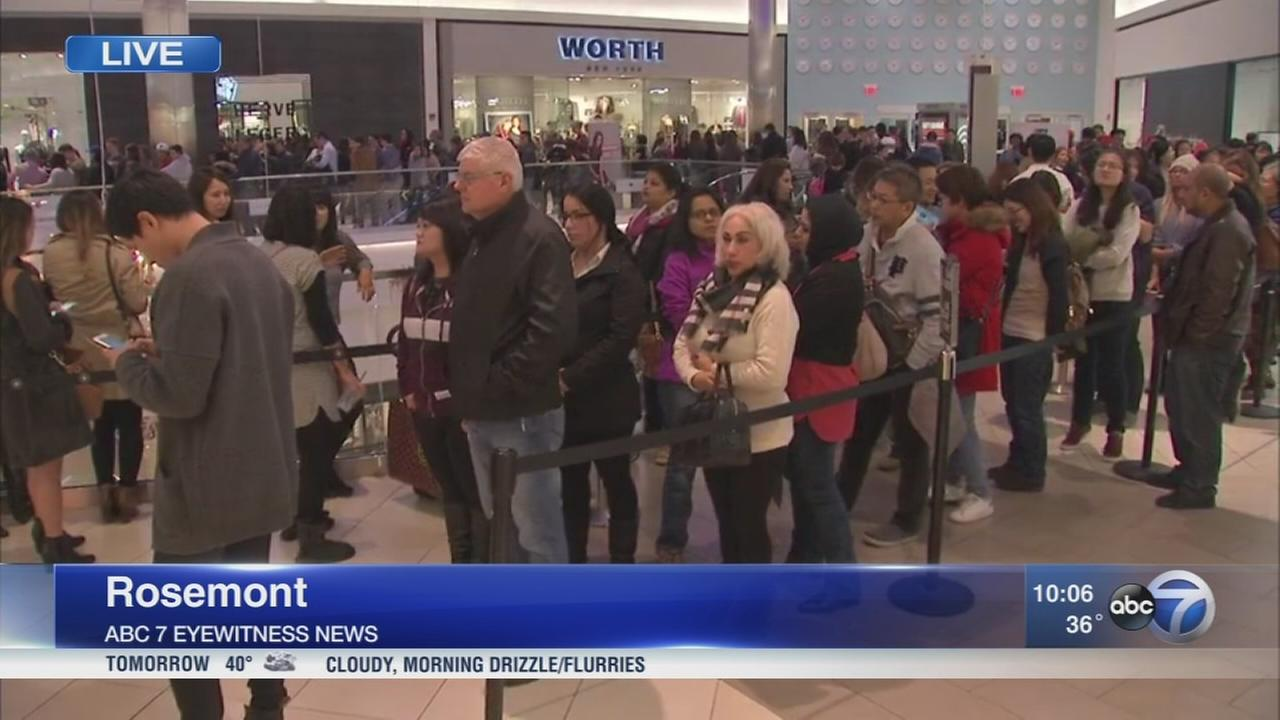 Shoppers line up early for Thanksgiving sales