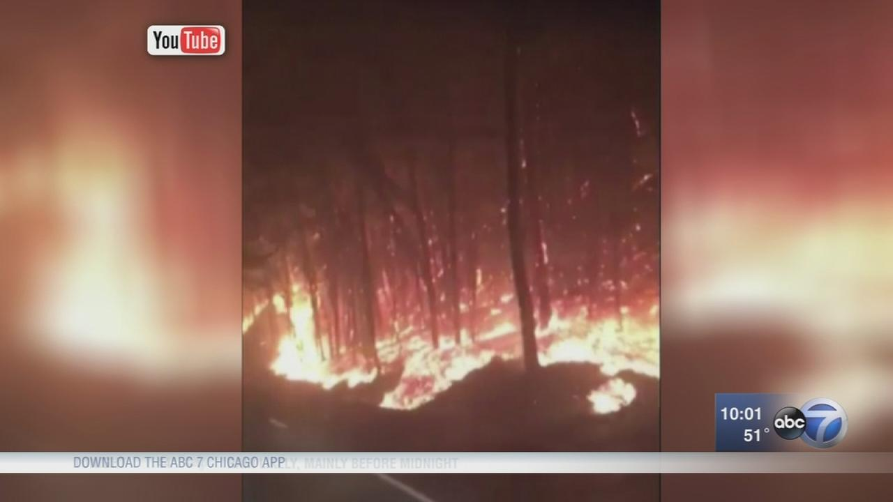 Popular sites including Dollywood under threat from fires