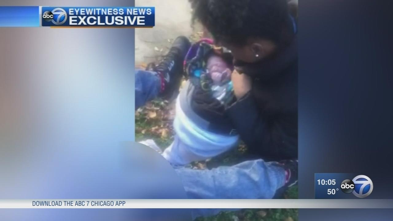 Good Samaritans help woman deliver baby on Chicago street
