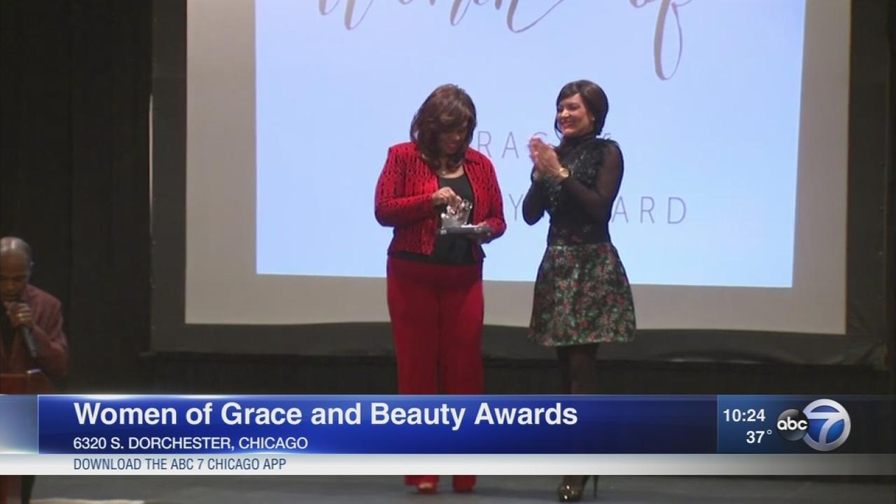 Cheryl Burton receives Women of Grace and Beauty award