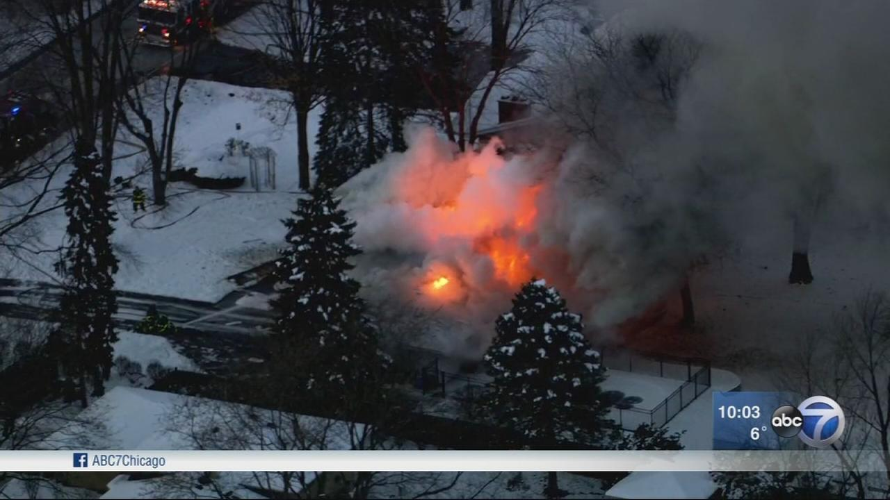 2 injured in Homer Glen house explosion and fire