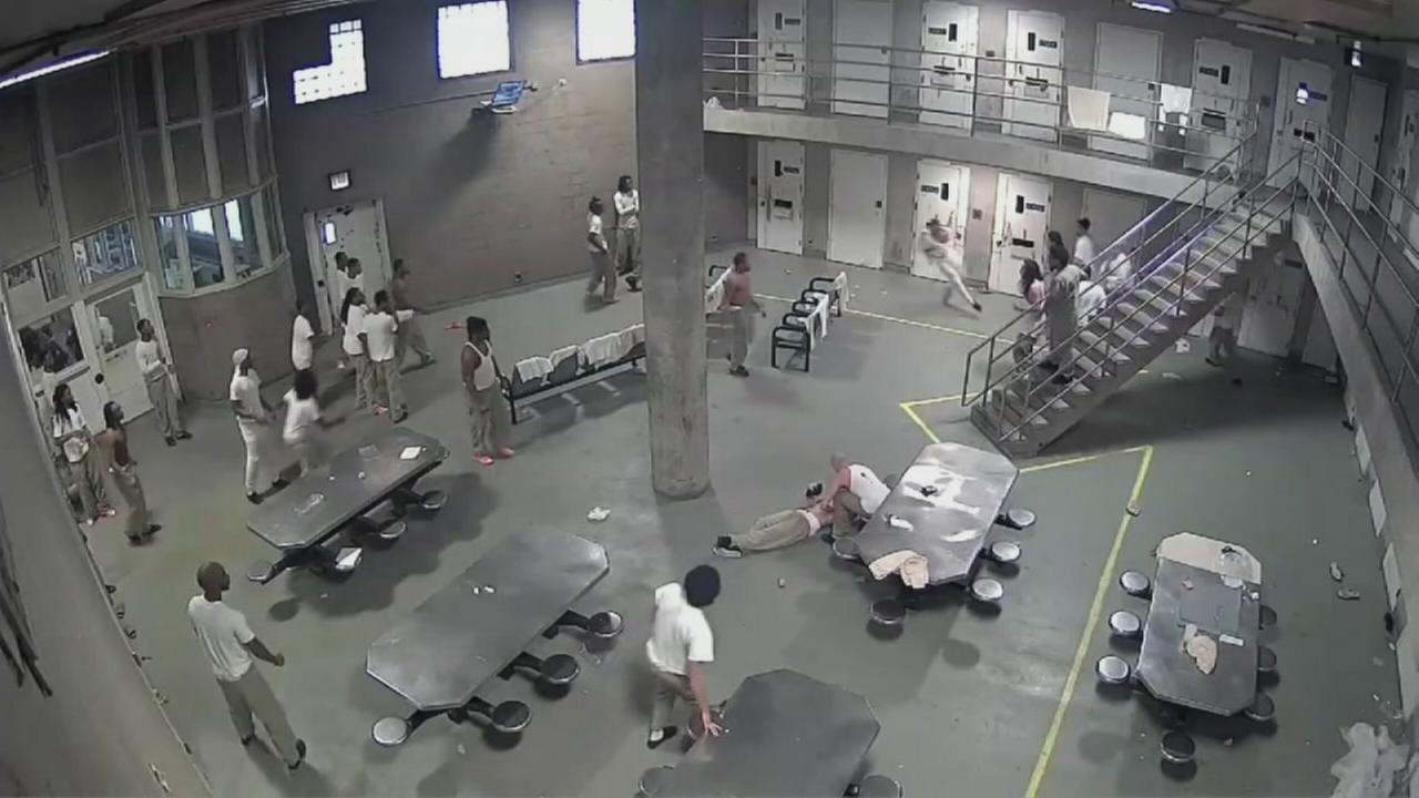 5 inmates injured in Cook County jail right