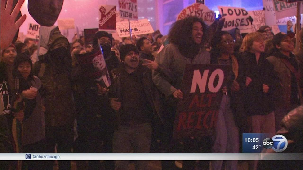 Trump protesters march through the Loop, briefly block LSD