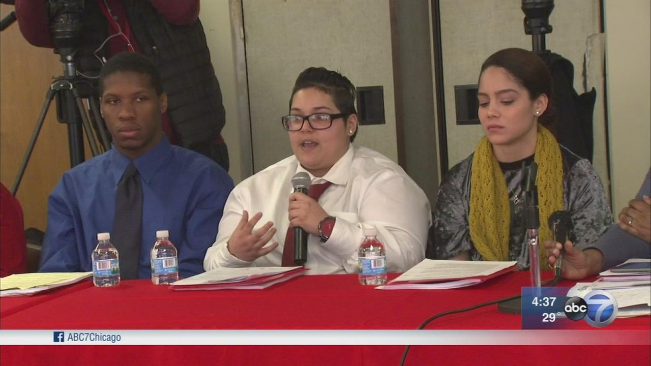 Youth employment key to solving Chicago violence, leaders say