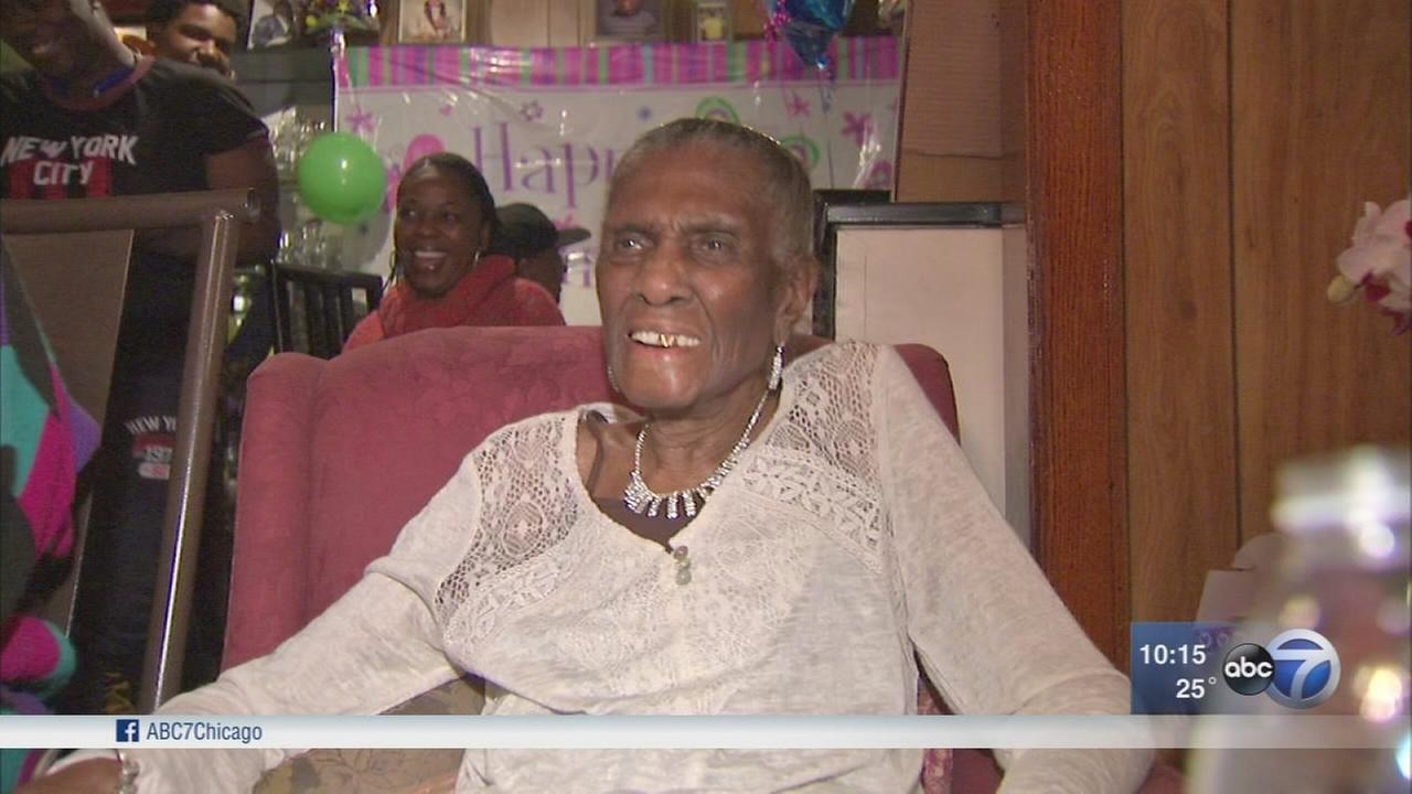 Chicago woman celebrates 104th birthday