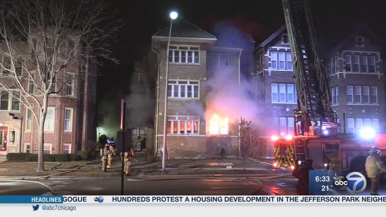 Oak Park fire displaces 9
