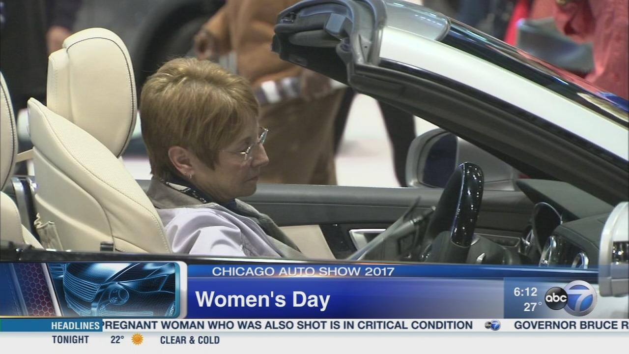 Chicago Auto Show 2017: Womens Day