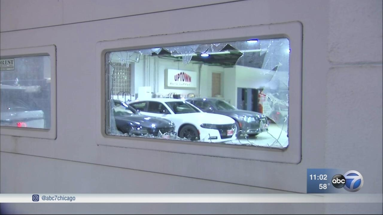 Police investigate break-in at NW Side car dealership