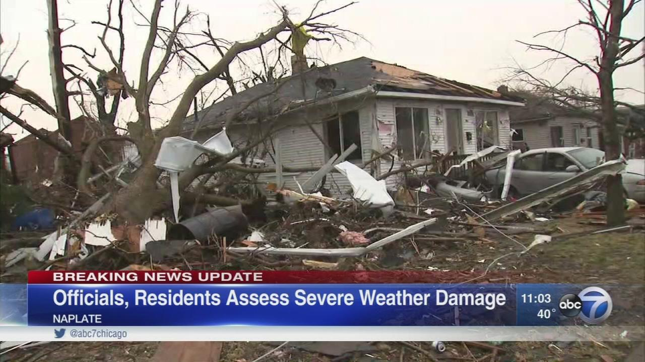 Rauner surveys Naplate tornado damage