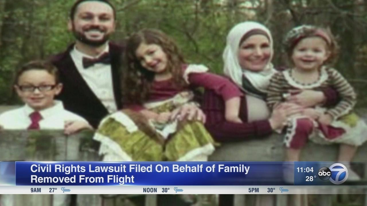 Muslim family files lawsuit after being kicked off United flight at OHare