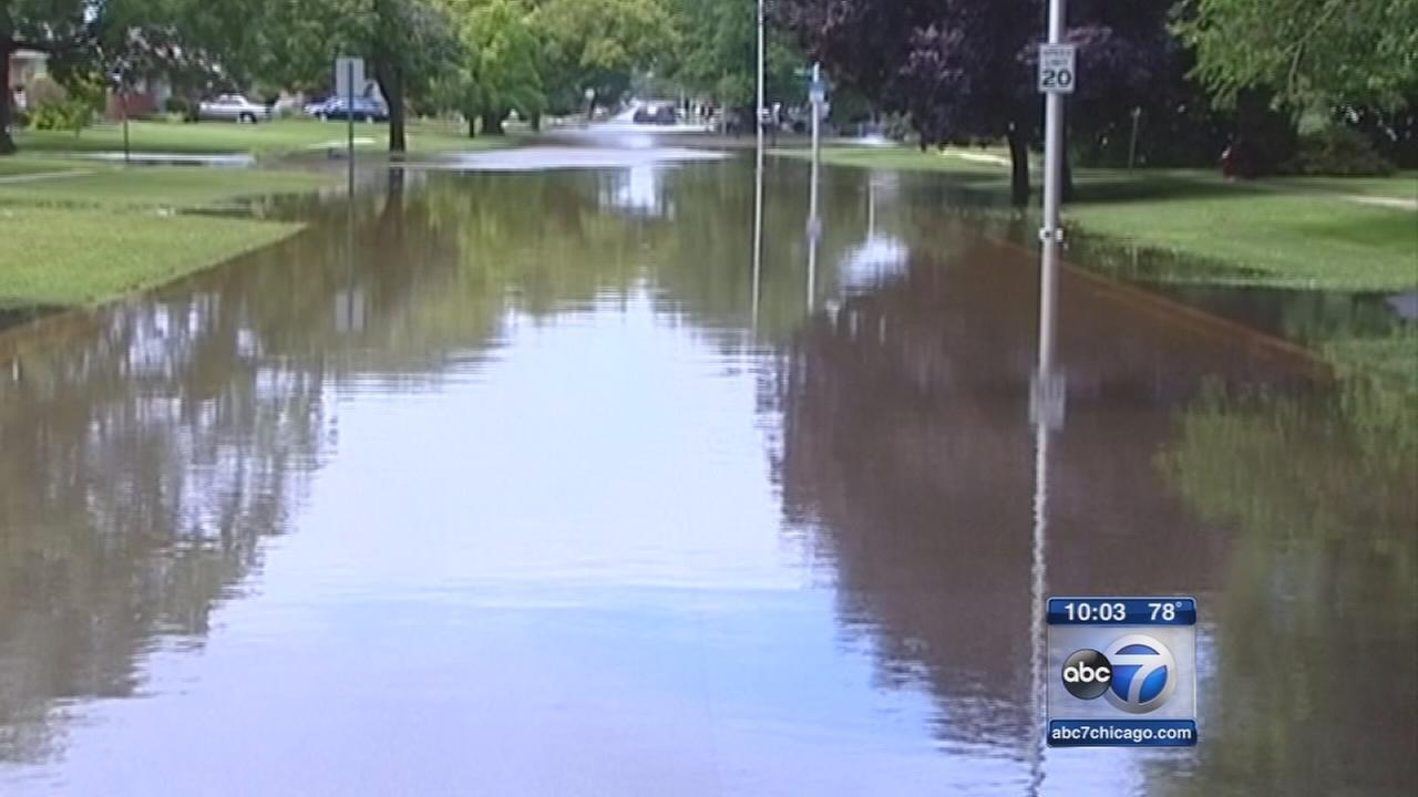 Flooding hits Chicago area, more storms on the way