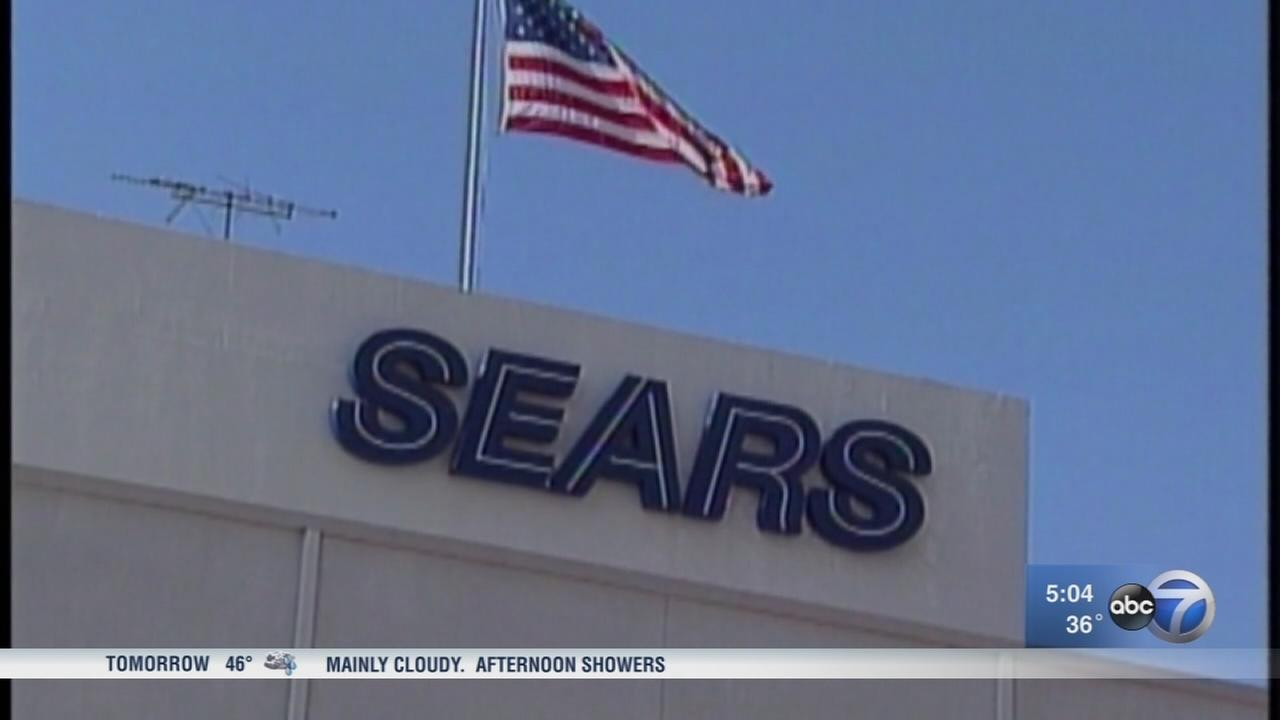 Sears lays off 220 workers, primarily at Hoffman Estates headquarters