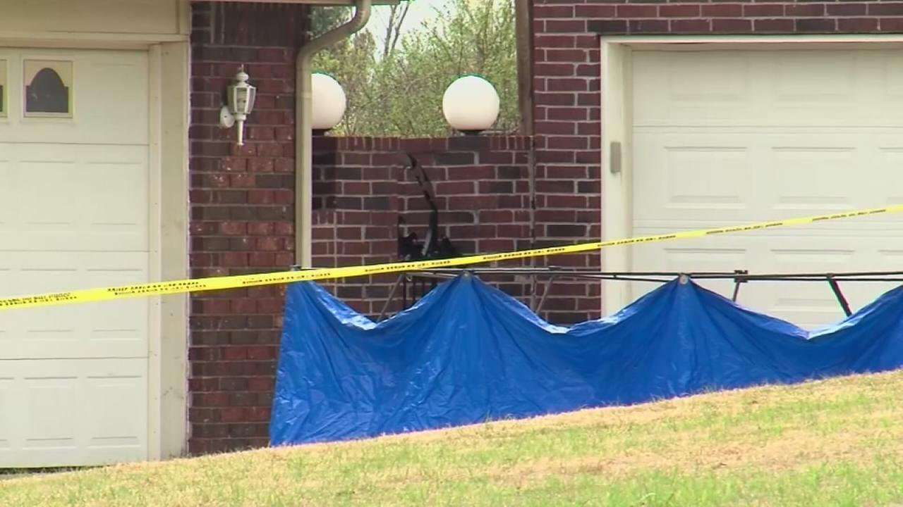 Police: Homeowners son kills 3 burglars