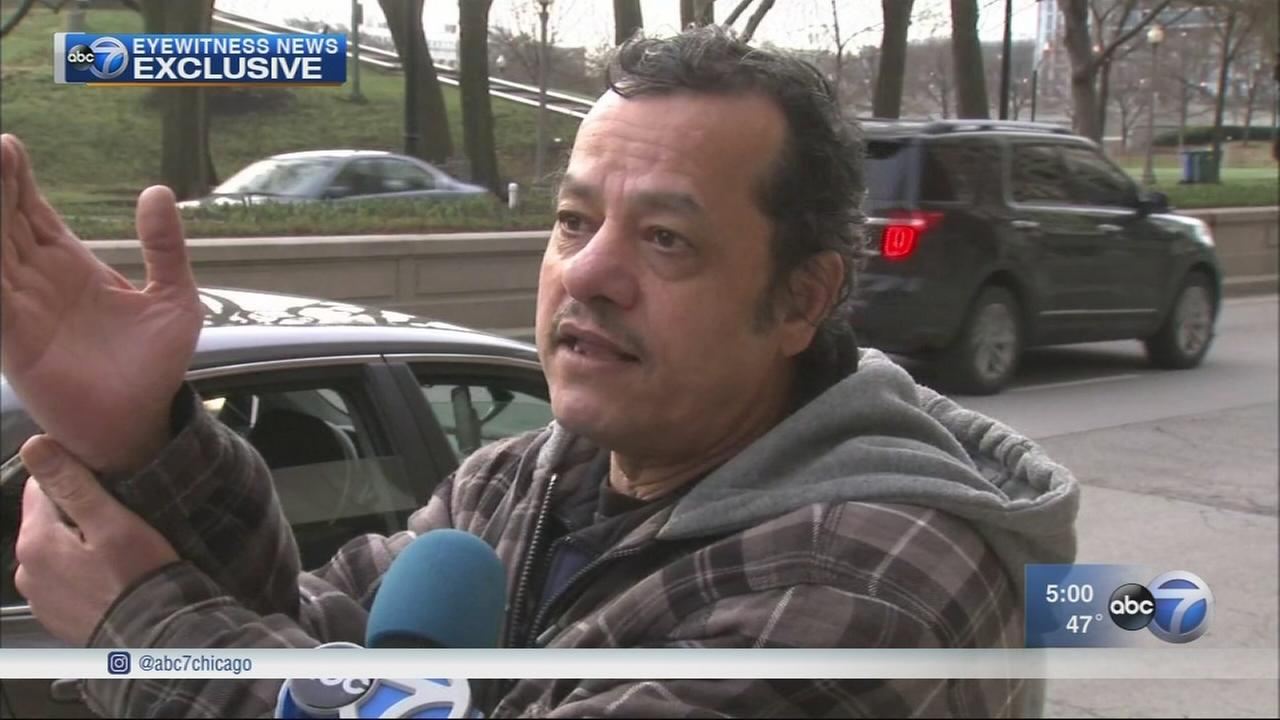 Uber driver fights off 2 men attempting to carjack him in South Loop