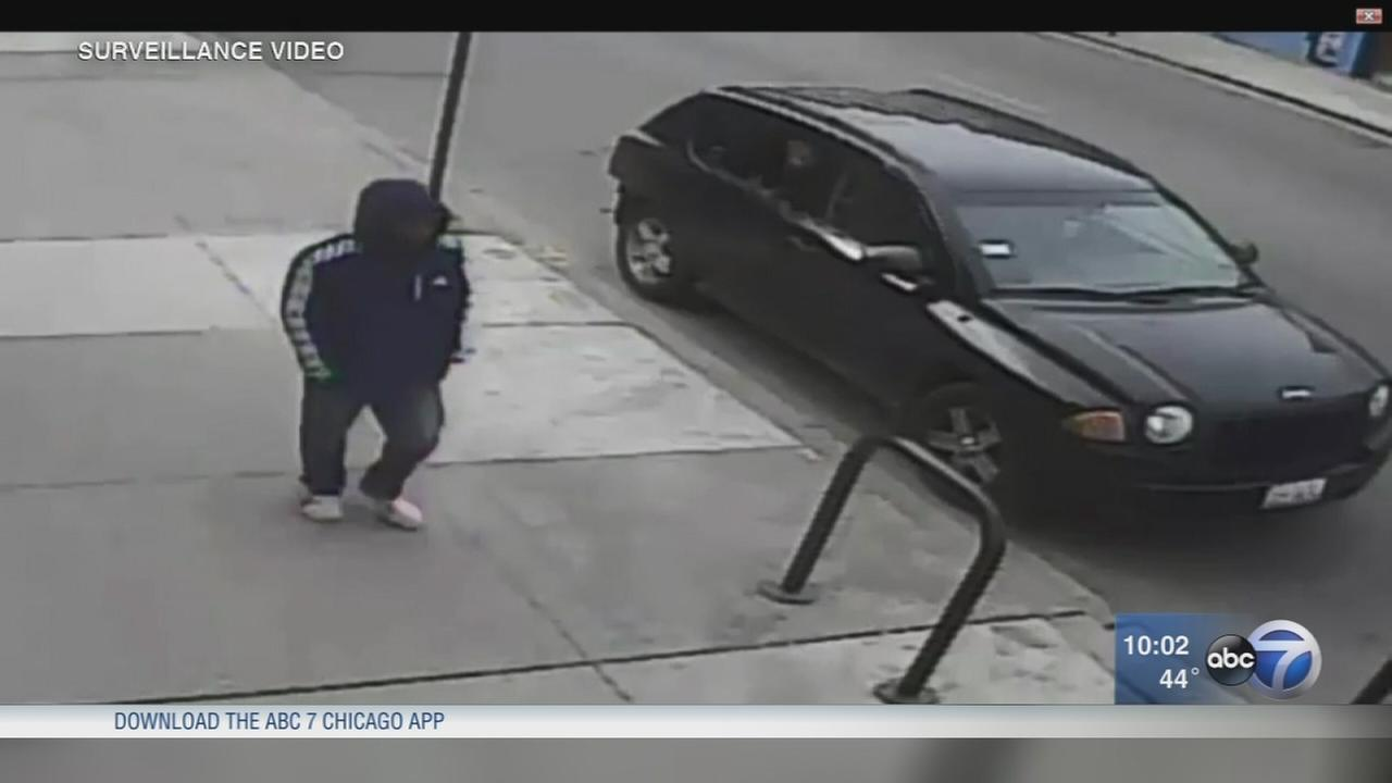 Man steals SUV with toddler, woman inside in Back of the Yards, police say