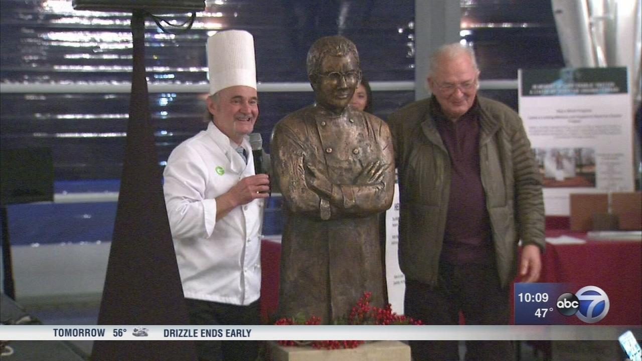 Charlie Trotter statue unveiled at River West gallery