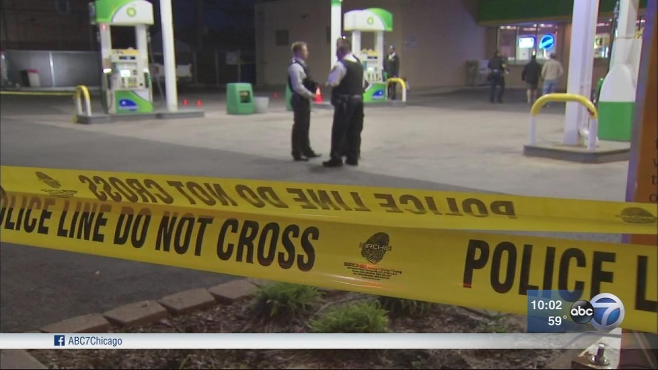 Man killed in Elmwood Park gas station shootout