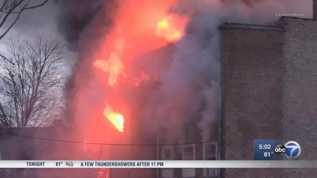 4 injured in fire in Chicagos East Side