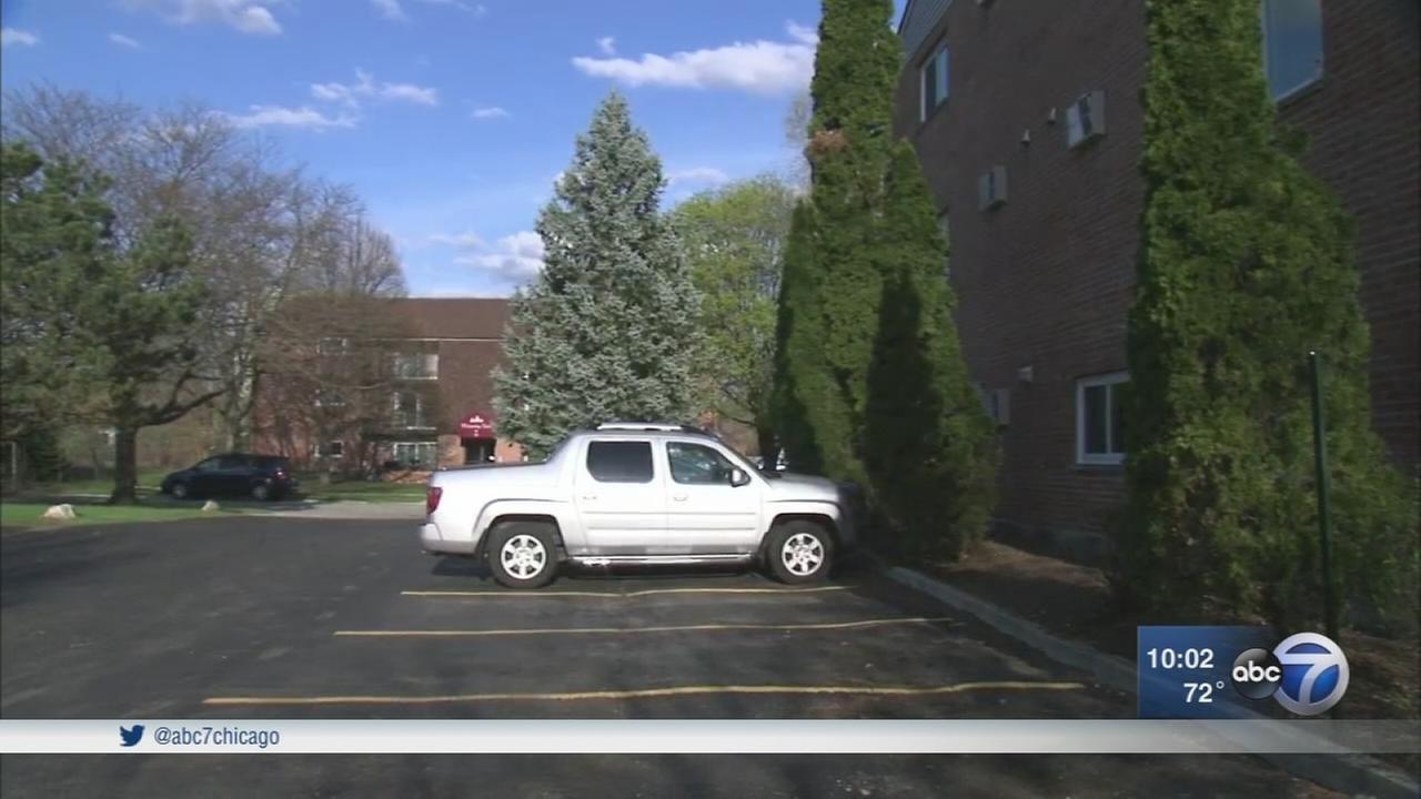 Mans car stolen at gunpoint in Naperville