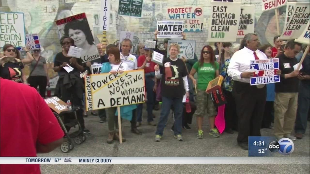 East Chicago residents protest EPA head Scott Pruitt?s visit