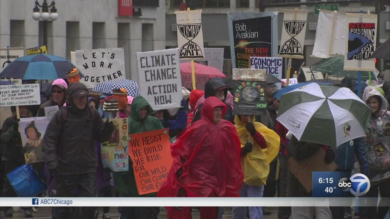 Thousands march in Chicago for climate change