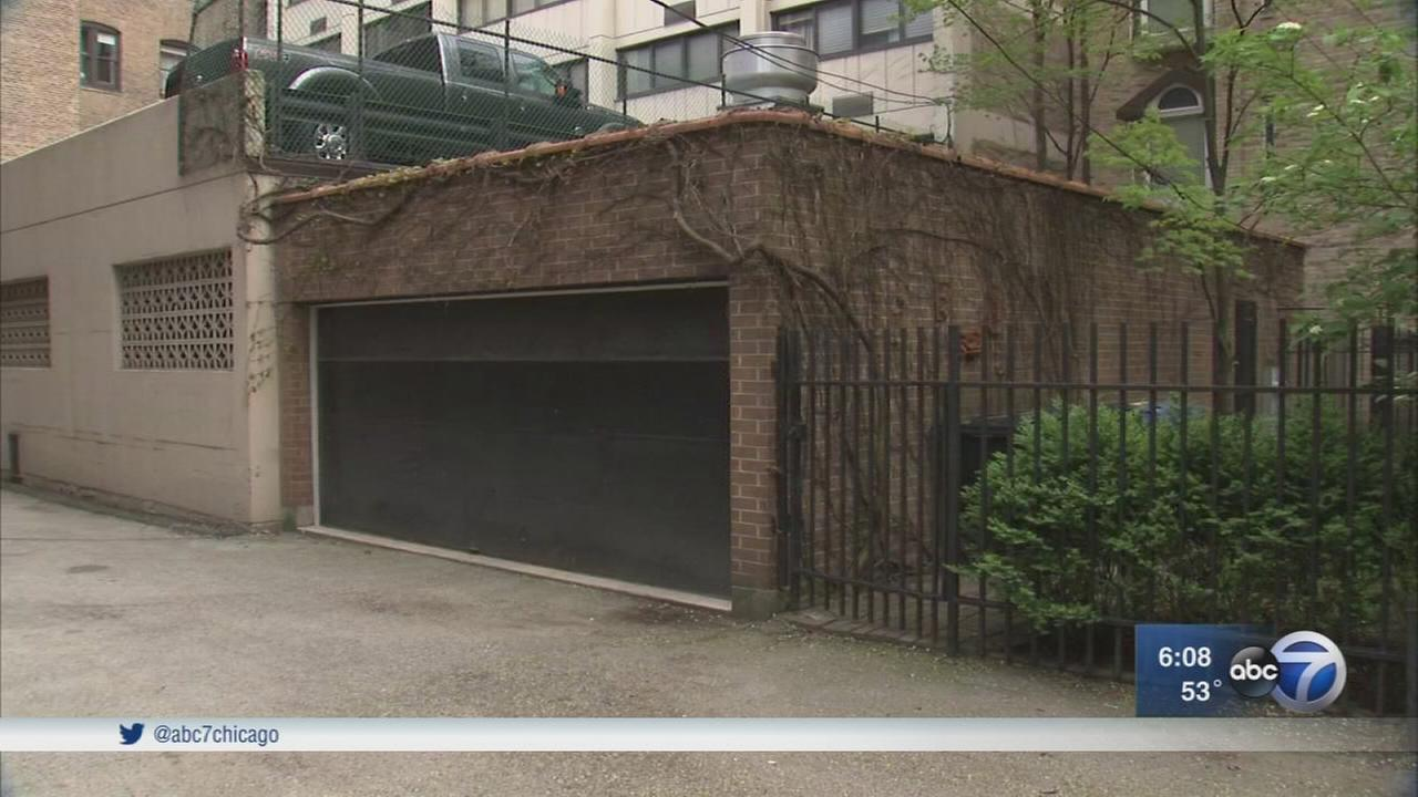 Garage where real estate tycoon lee miglin murder occurred for Garage team city