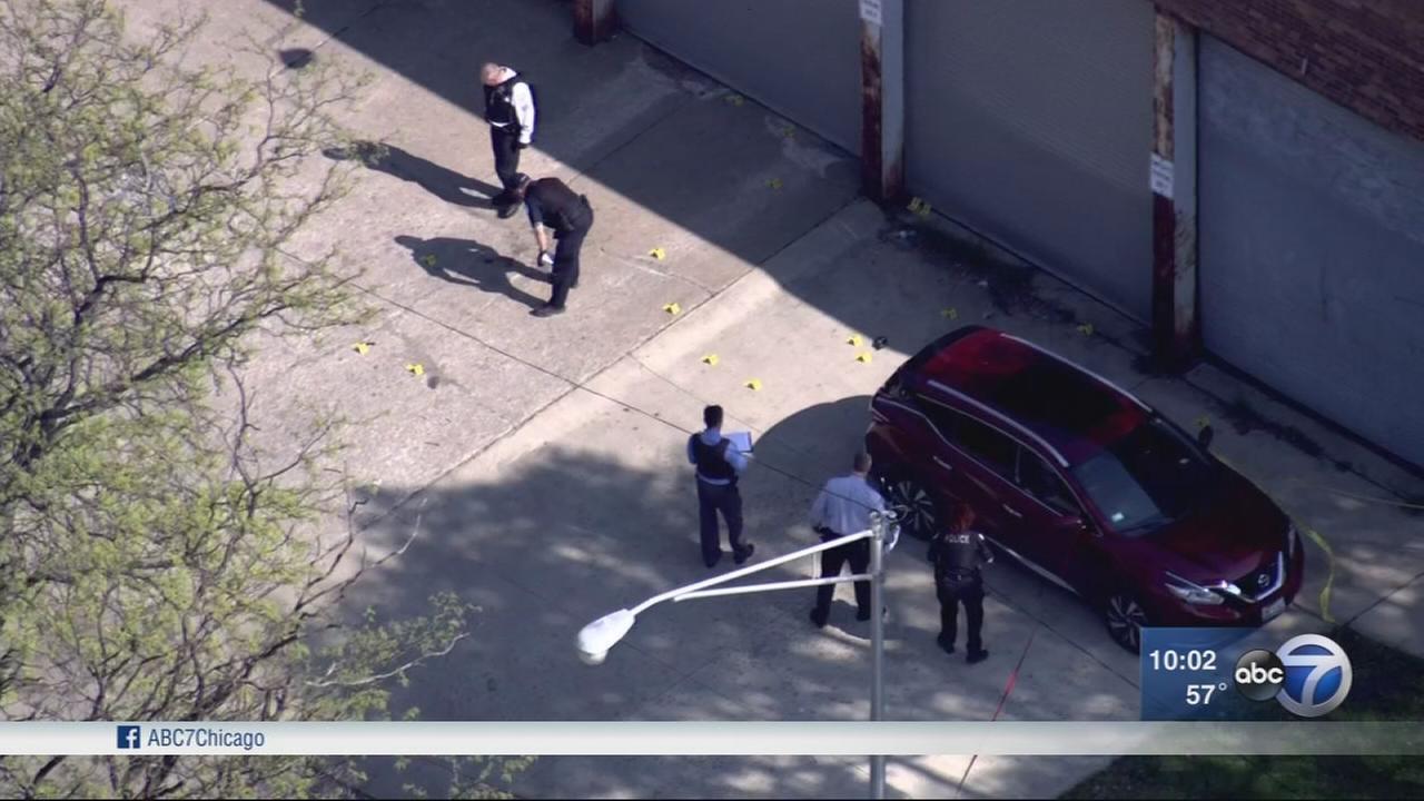 Chicago officer shot in West Garfield Park