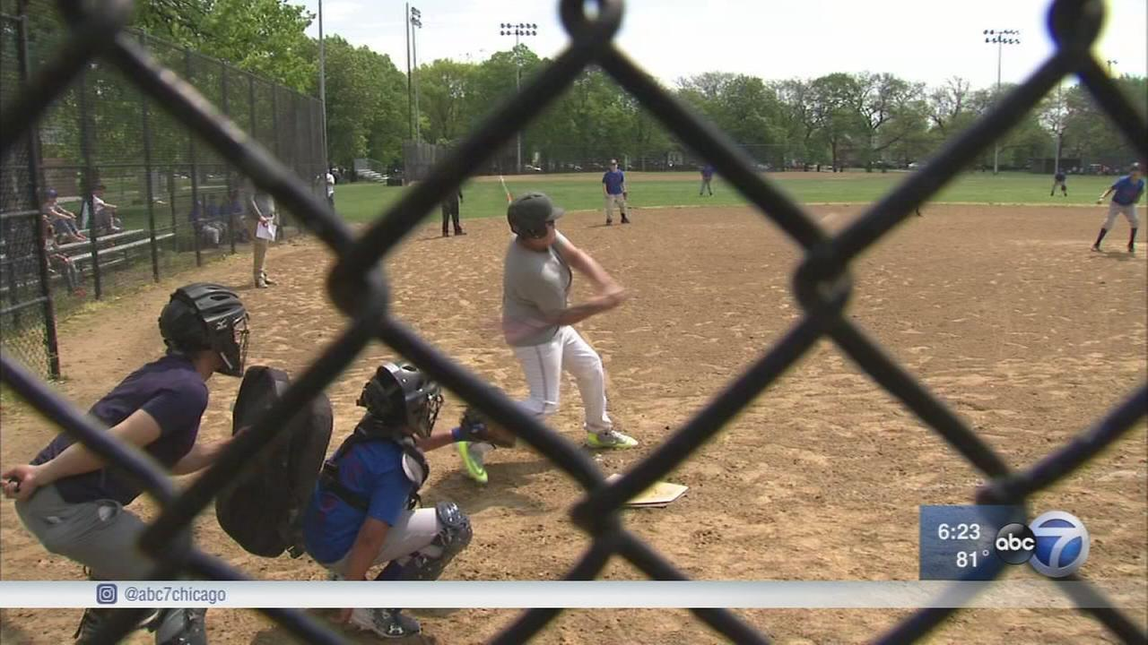 Cubs help builds baseball field in Little Village
