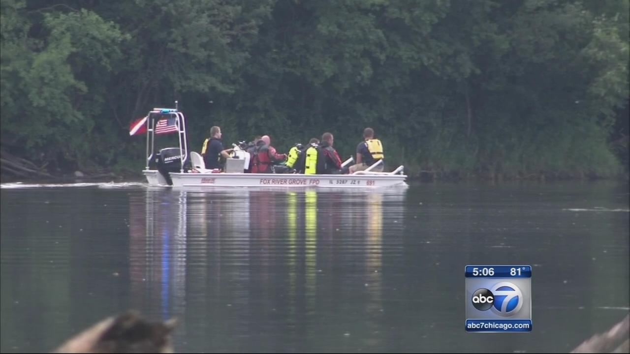 Crews search for missing swimmer in Fox River