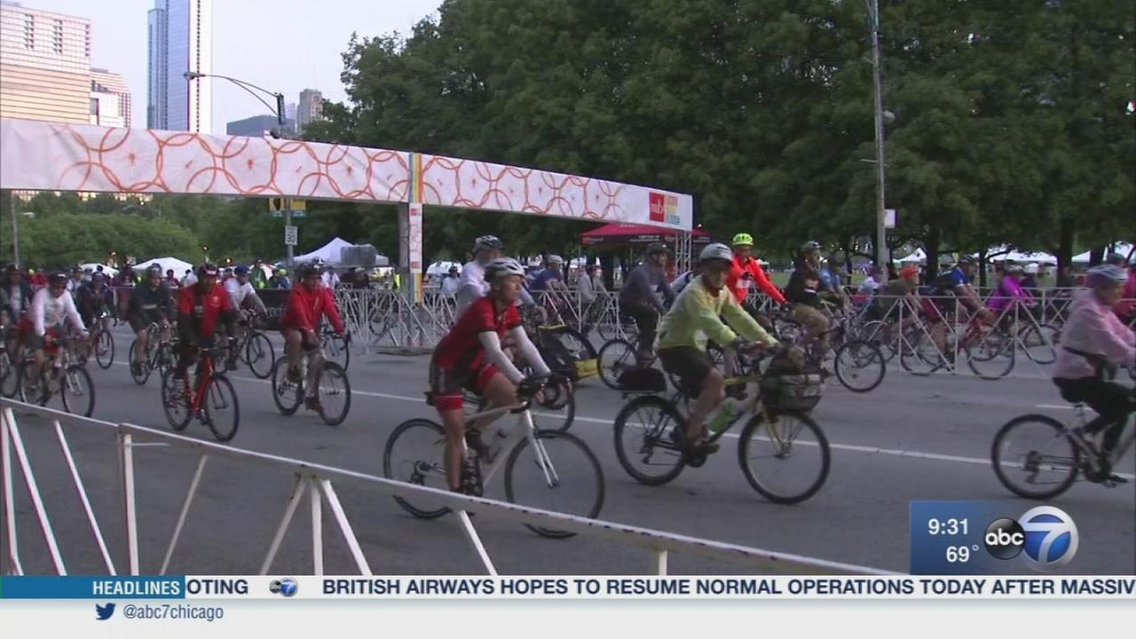 Bike the Drive takes over Lake Shore Drive