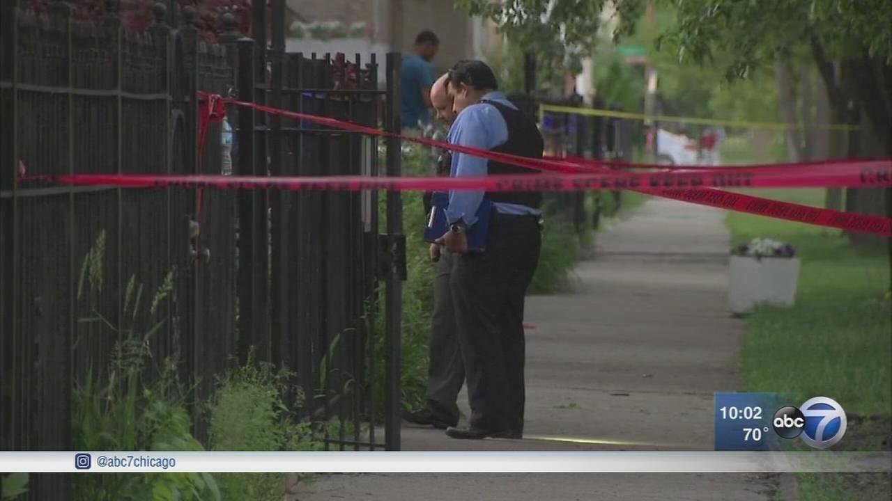 2 teens shot, 1 fatally in Lawndale