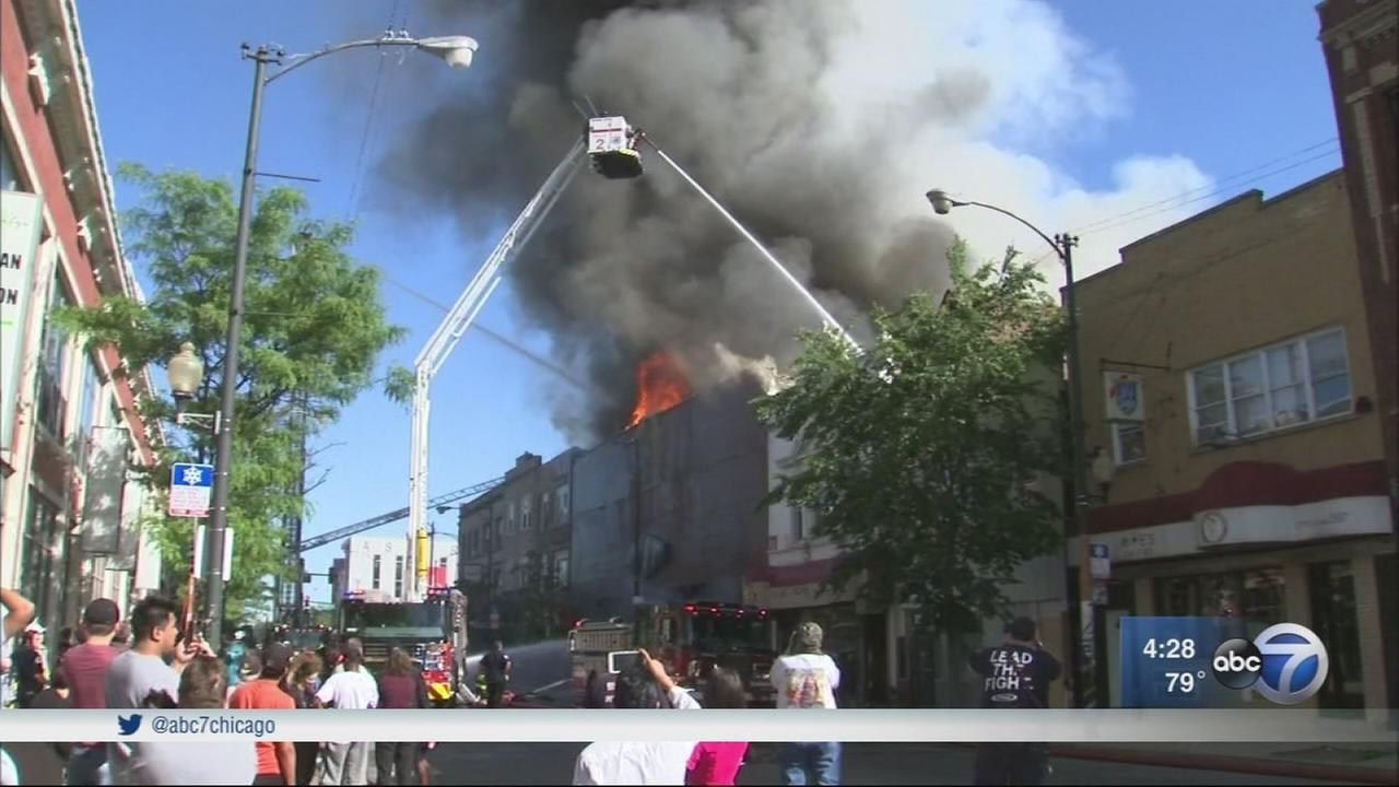 Fire destroys Northwest Side furniture store