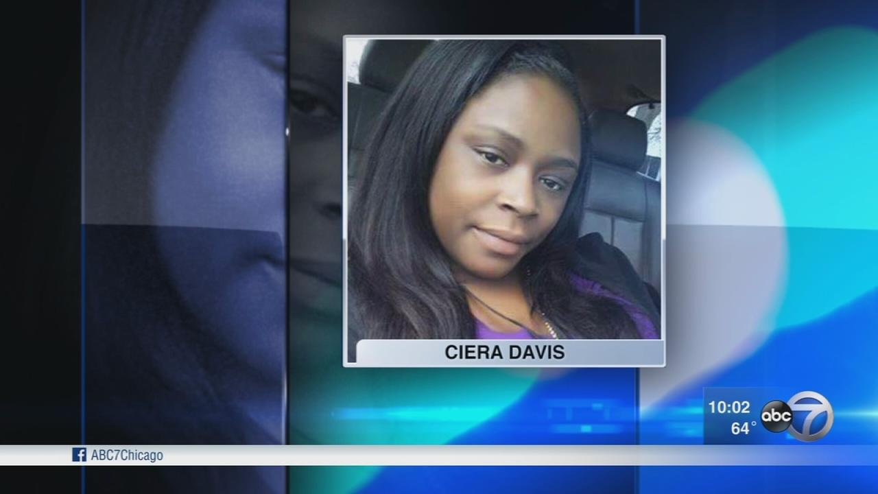 Woman, 24, killed in Waukegan shooting