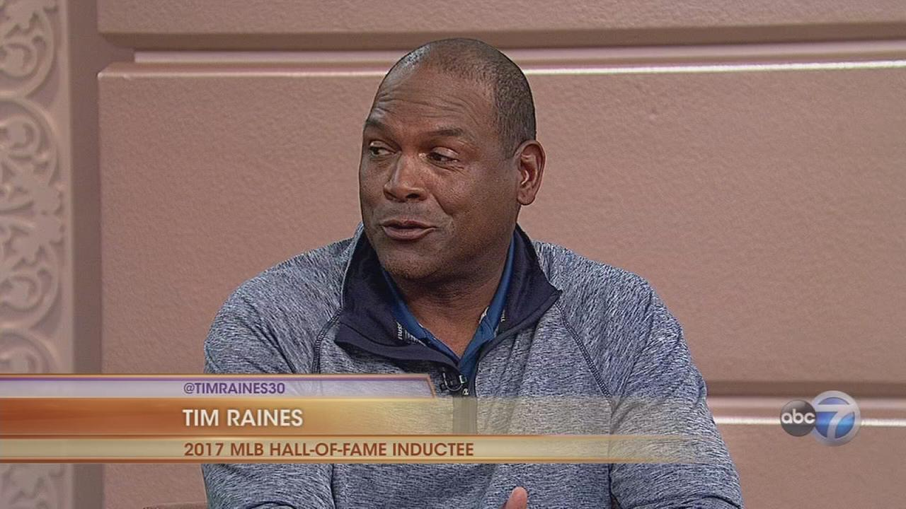White Sox Tim Raines joins Hall of Fame