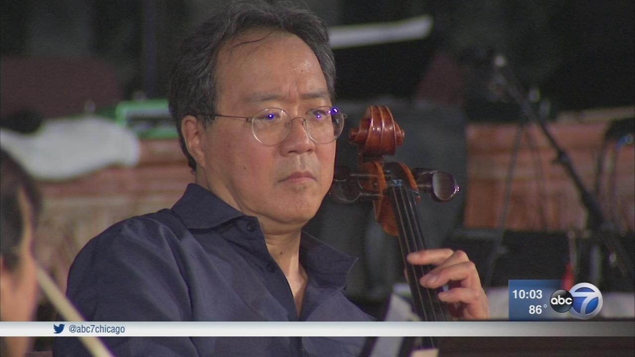 Yo-Yo Ma performs at Chicago peace concert